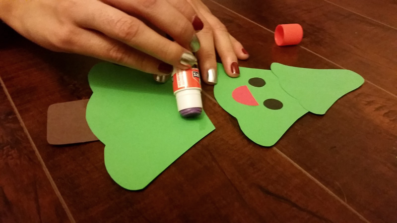 Glue X-Mas Tree Craft