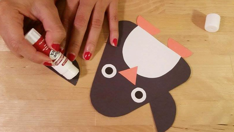 Glue'ing the little penguing craft!